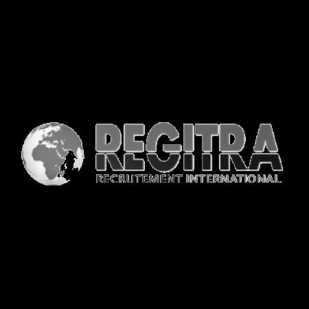 logo du client regitra en noir et blanc
